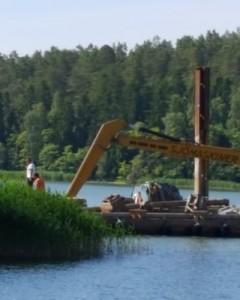 Reparation av badbrygga Badberget.